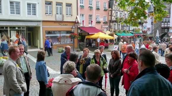 Beginn der Stadtführung durch ein Linzer Original an der Burg