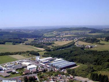 Blick vom Industriegebiet  Elkenroth in Richtung Kausen, Molzhain, Gebhardshain.