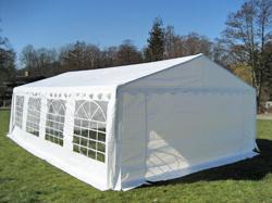 Buchungskalender und Anfrageformular für unser IPA-Zelt